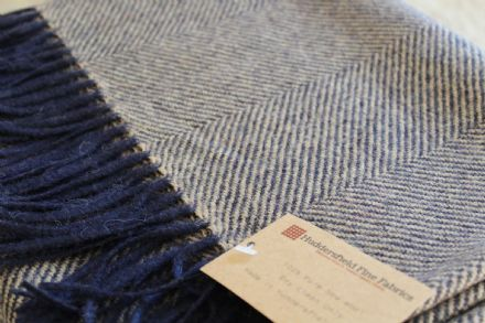 Herringbone Pure New Wool Throw Made In Yorkshire (Oatmeal / Navy)